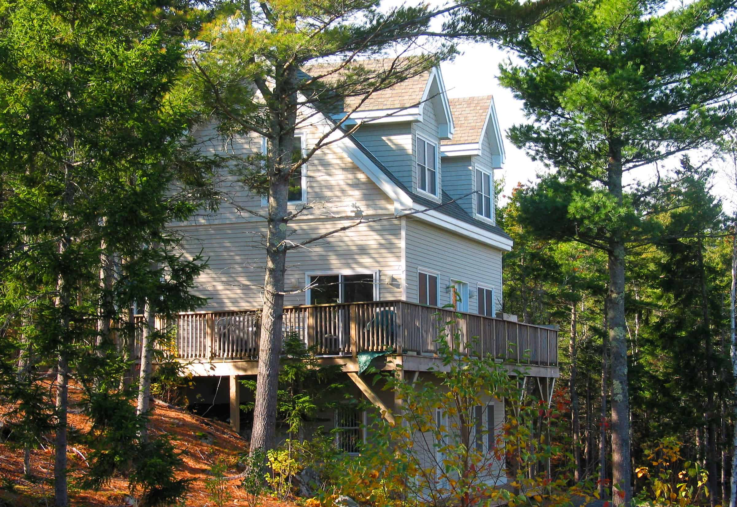 Cliffside vacation home in Bar Harbor, Maine